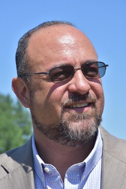Headshot of Elmer Eubanks, professor of business