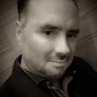 Headshot in B&W of Paul Crowley, Instructor for WOrc-It Business Lab