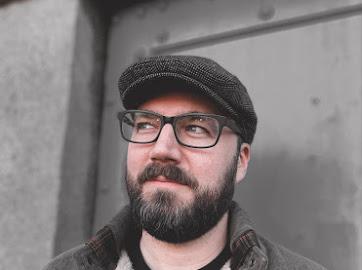 Headshot of Author Johan Michaels